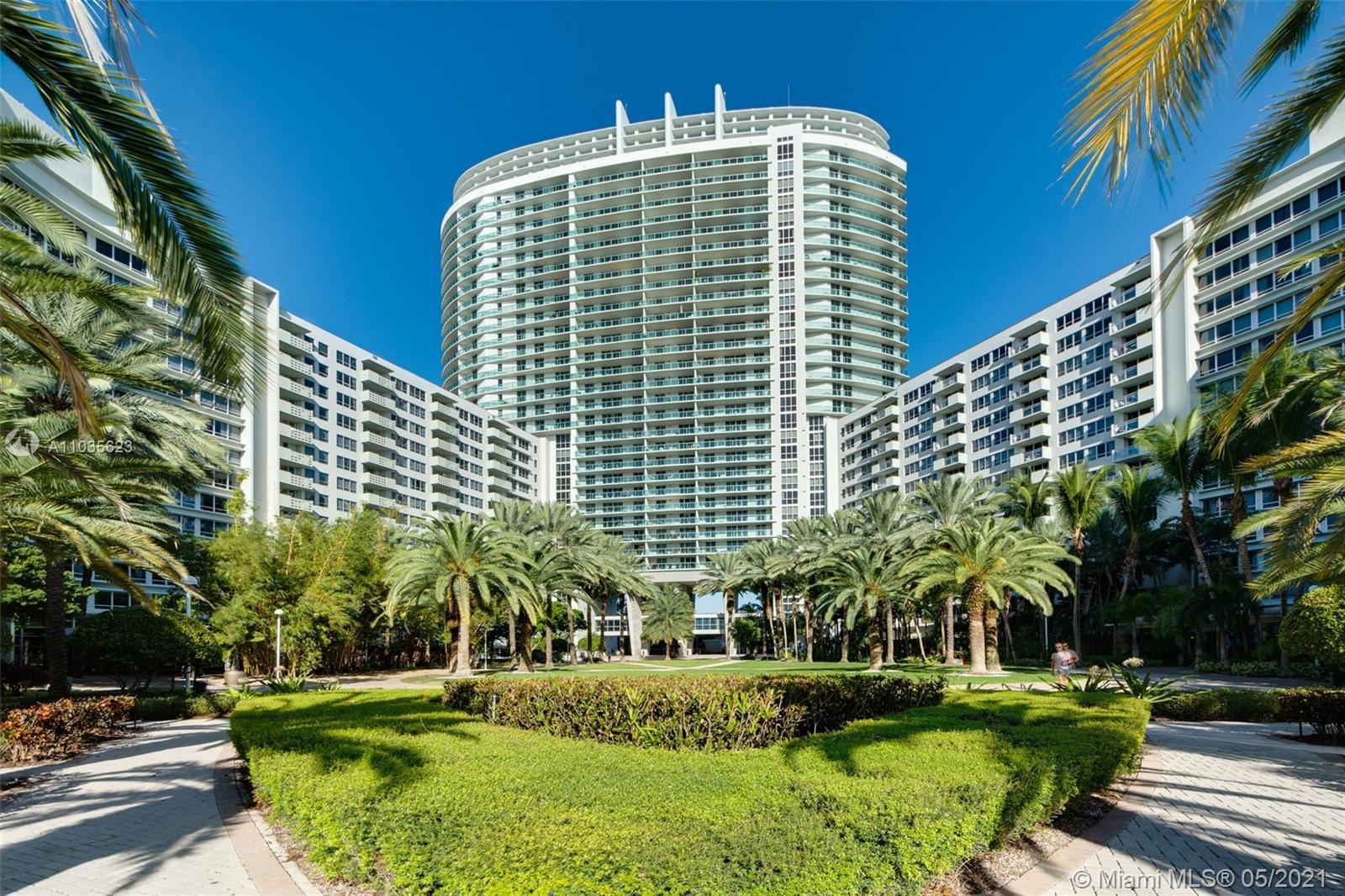 South Beach Gem! One bedroom with spectacular bay views in the heart of South Beach. All amenities b