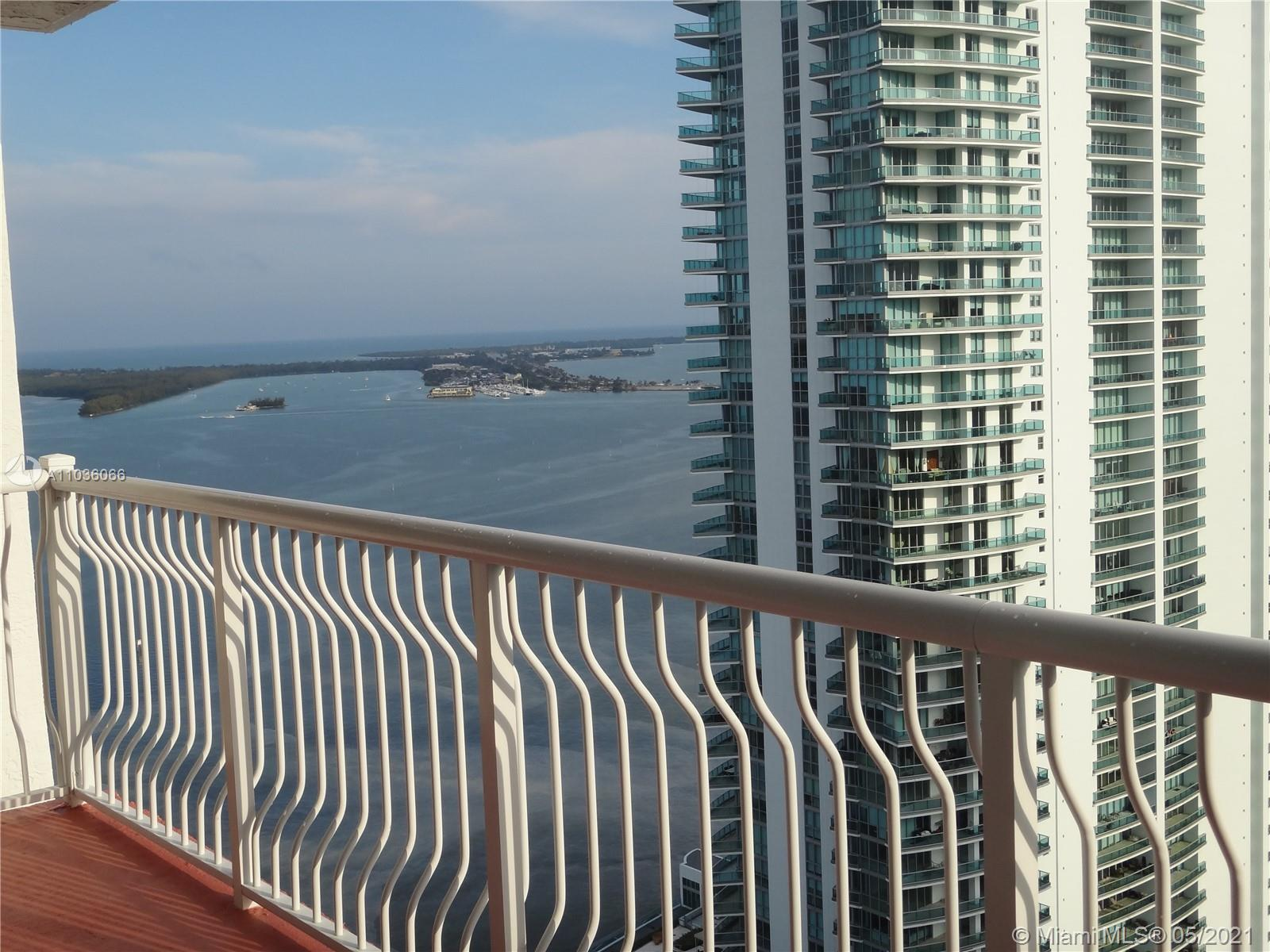 Beautifull 1/1 nice water view, wood floors throughout the unit. Great locations, great amenities, w