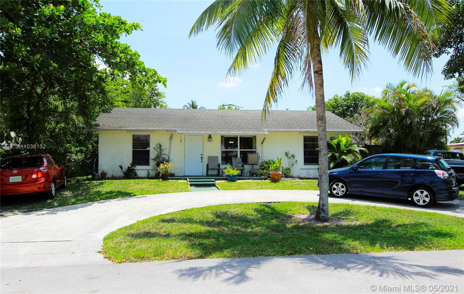 Motivated seller. Classic-style Gable home in West Palm Beach, amazing opportunity to own a starter