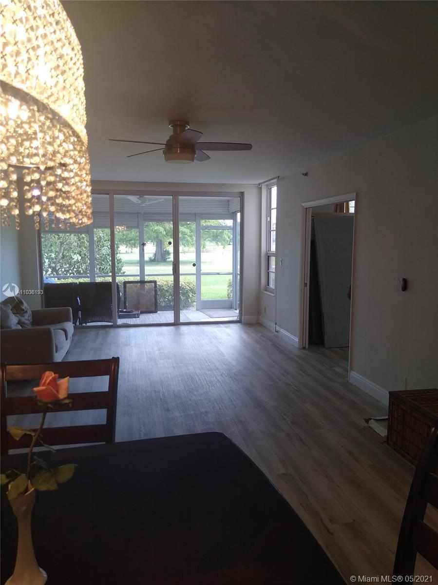 LIGHT AND BRIGHT, 1ST FLOOR TURNKEY CONDO. ON THE MOST DESIRABLE LOCATION IN PALM AIRE. BEAUTIFUL VI