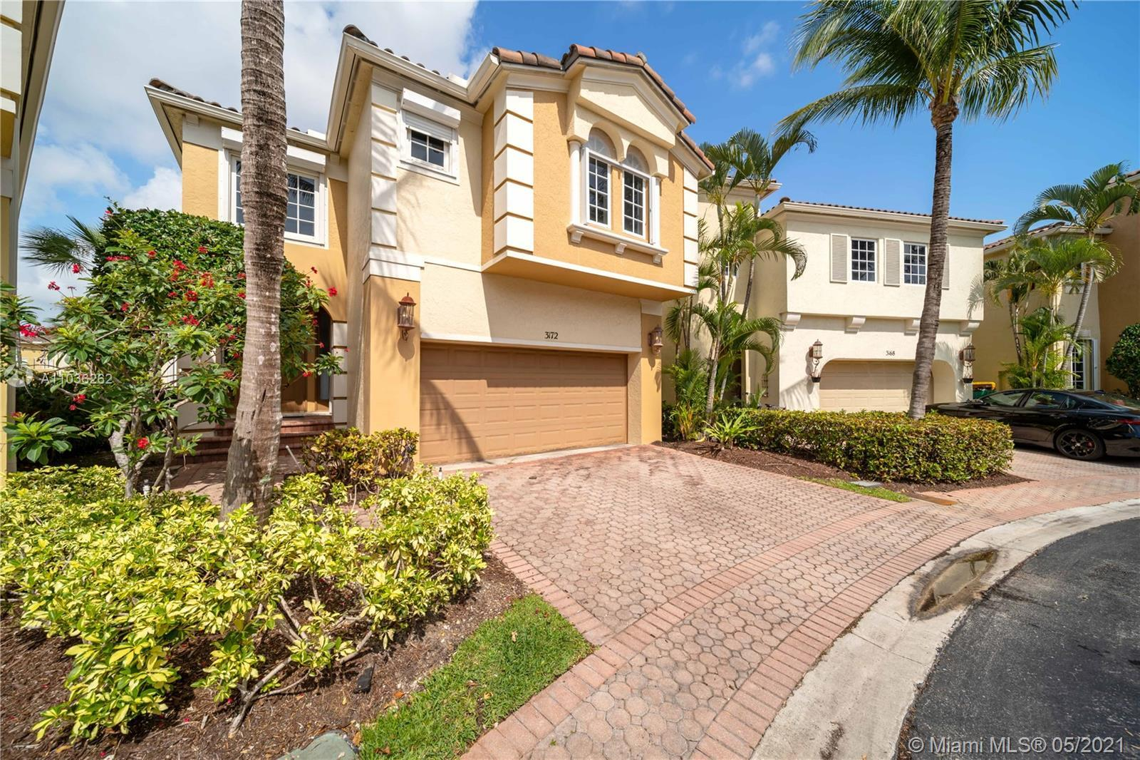 Amazing house in Aventura Lakes, 2,540 SF of living area, 3 Beds + 3 Full Baths and a Half Bath, mod