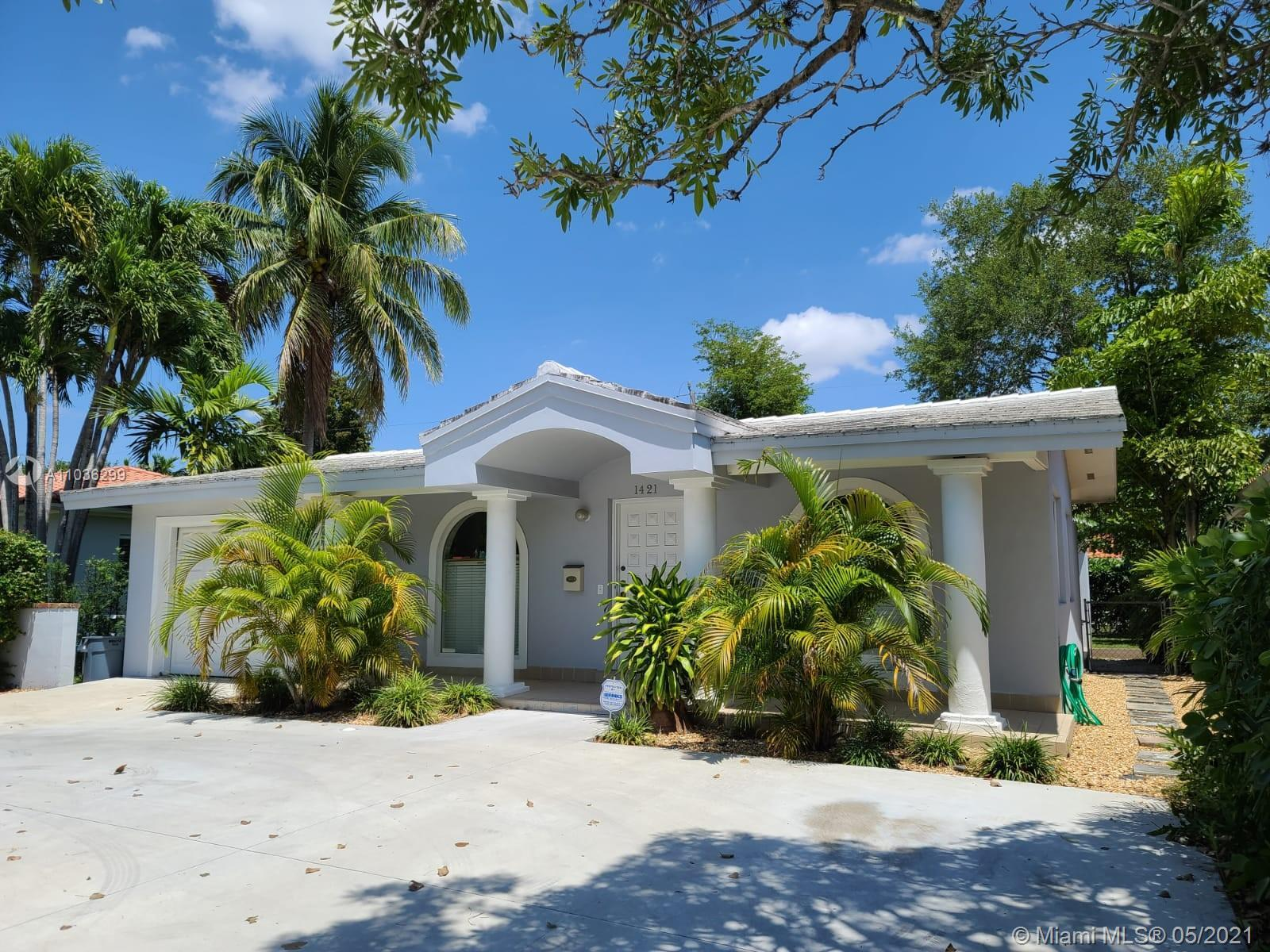 3 BEDROOMS, 2 BATHS HOME IN GREAT LOCATION IN CORAL GABLES CLOSE TO RERSTAURANTS,SHOPPING CENTERS,KI