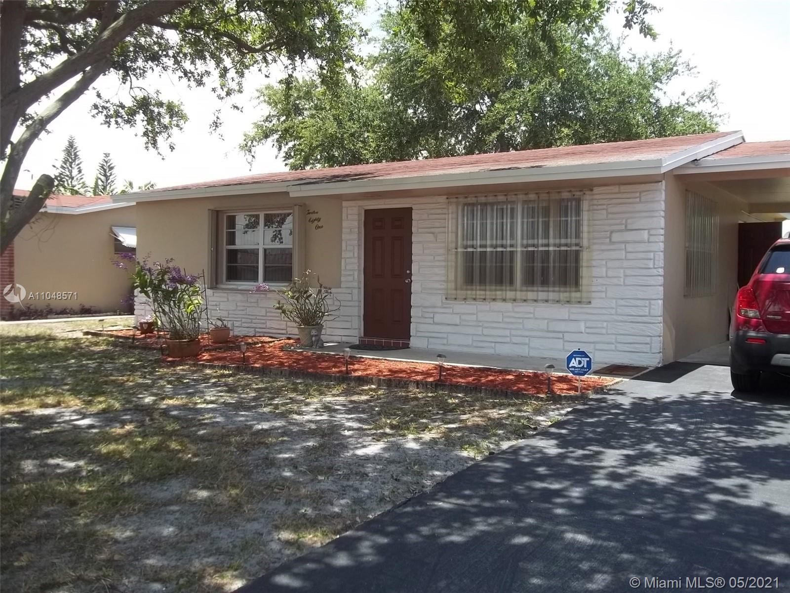 BEST PRICE IN THE AREA ^^^^YOUR BUYERS WILL LOVE THIS FANTASTIC SINGLE FAMILY HOME WITH MATURE OAK T