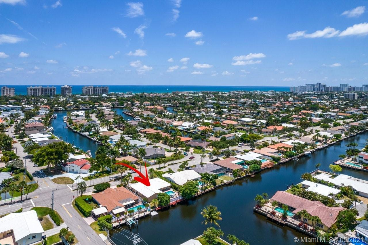 Waterfront tropical paradise located in the prestigious Landings of Fort Lauderdale. This luxury 3 b
