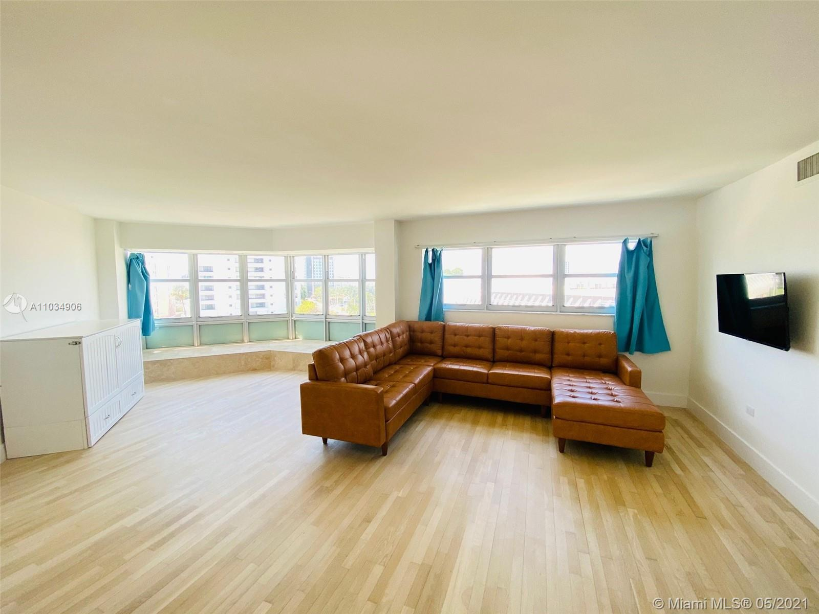 Bright & spacious 1 bedroom ( 2 bed on tax rolll can easily be converted back) Stunning updated blea