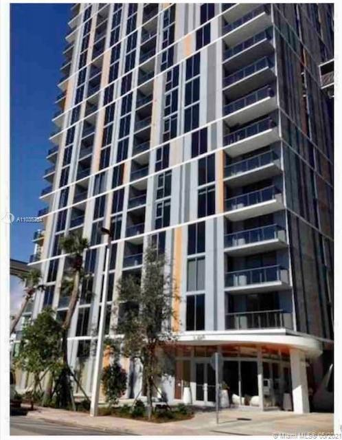 My Brickell condo. Trendy and ultra modern 2 bedroom 2 bath corner unit in the heart of Brickell. Sp
