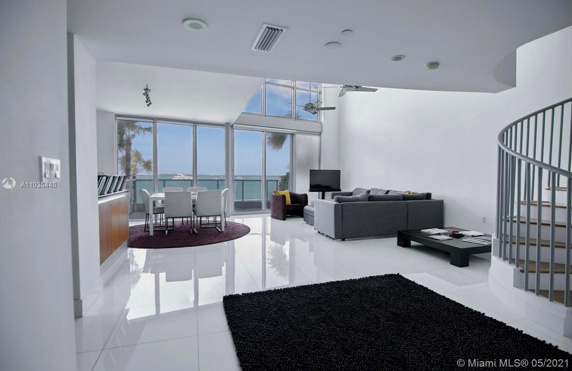 Gorgeous bay loft in the heart of Miami. Beautiful bay views. 2 bedrooms 2 baths with direct access