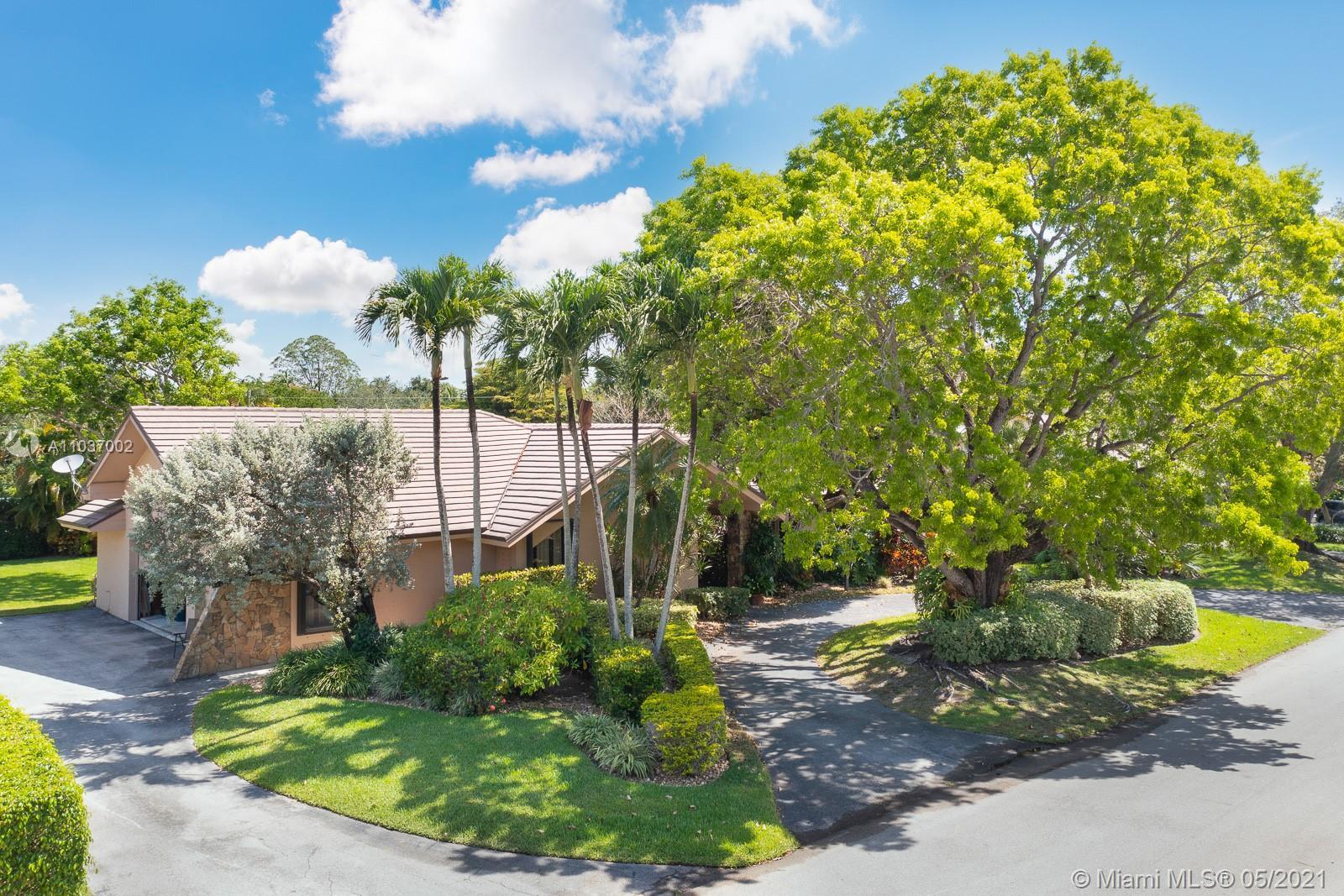 Fabulous family home on one of best and quietest cul-de-sacs in Pinecrest.   Custom blt by Ken Parke