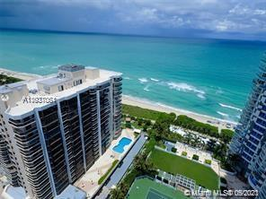 Great spacious apartment with a beautiful views  from this high floor.  Washer/dryer in the apartmen
