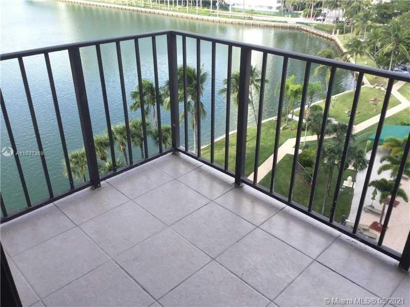 PM TOTALLY REMODELED, BEAUTIFUL, FULLY FURNISHED 2 BEDROOM,2 BATH, IN HEART OF AVENTURA NEXT TO PRES