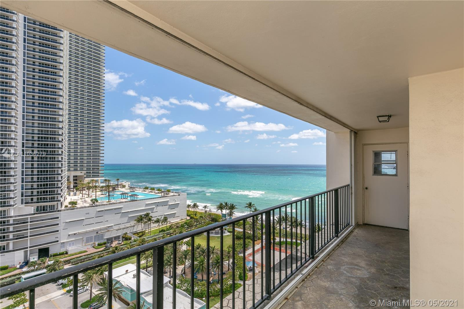 Massive 3BR/3BA Tower Suite with double-sized balcony and views that will sweep you off of your feet