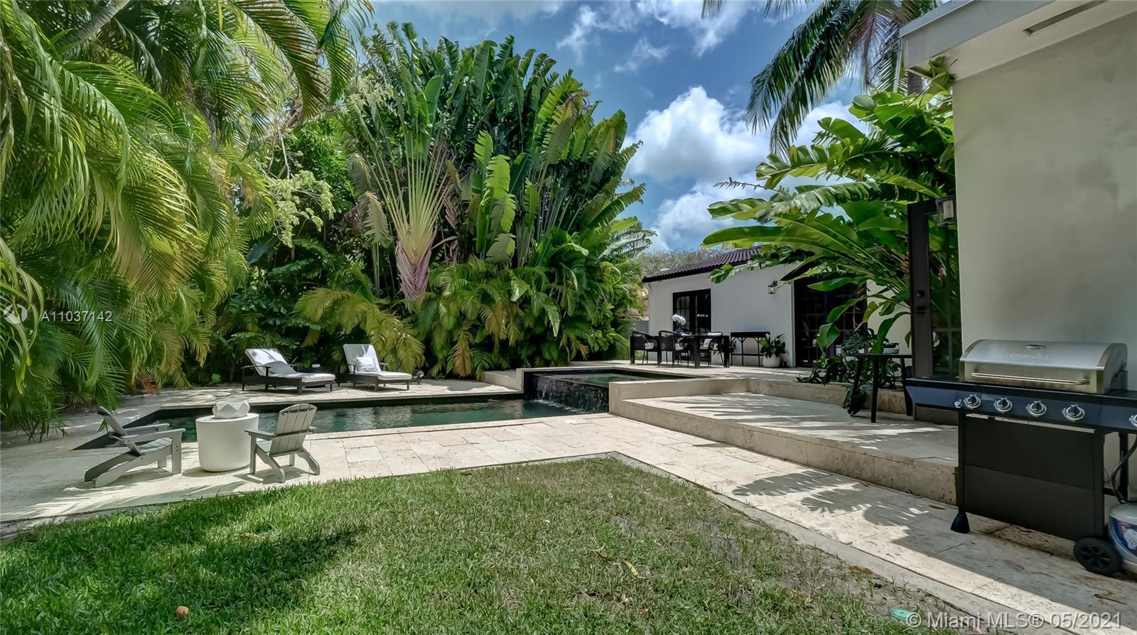 A peaceful Oasis in one of the most appealing neighborhoods of Miami, Morningside, a gated community