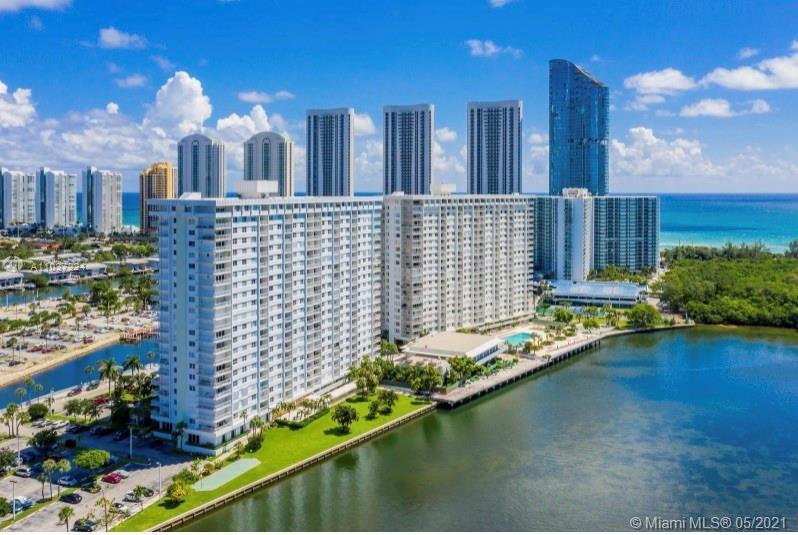 Gorgeous apartment in the heart of Sunny Isles. 3 minutes walk to Hallover Beach. Apartment was ren
