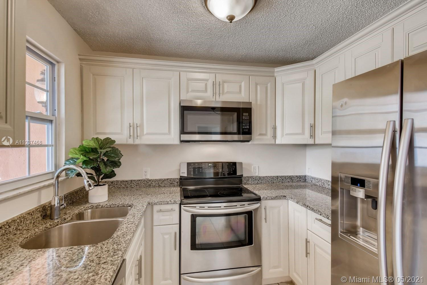 Freshly painted, clean, quiet and move in ready 3 bed/2 bath/1 car garage home with no HOA!!! Open f