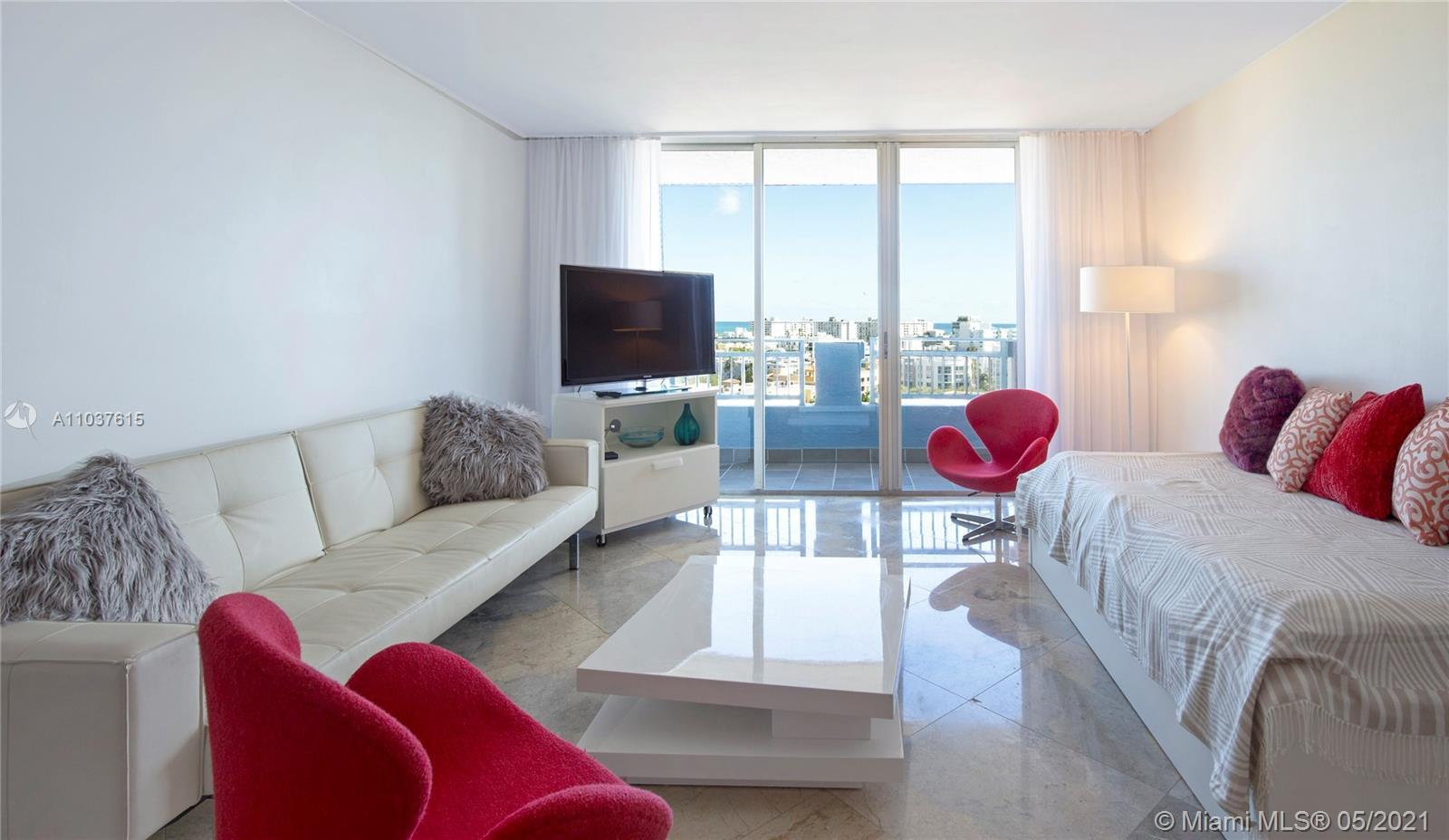 Great property with 2bed/ 2ba, marble floors through the unit, beautiful views to South Beach and Oc