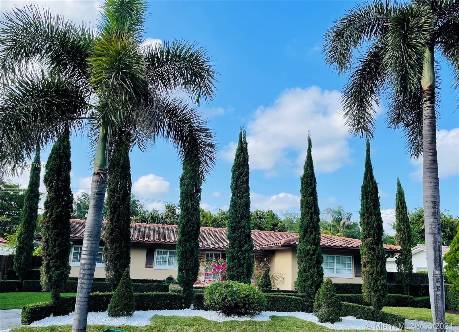 Fantastic one story 4/3 home steps from quaint downtown Miami Shores! Walk to fabulous restaurants,