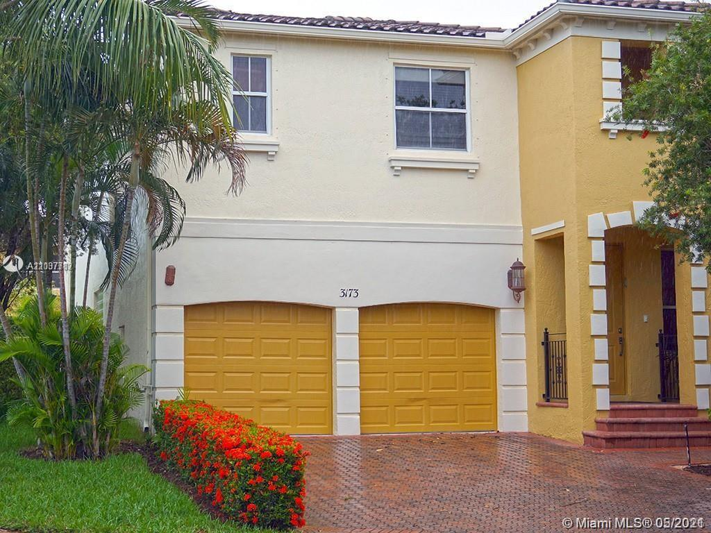Aventura Lakes is a safe and relaxed area to live in, totally family oriented. This is the perfect h
