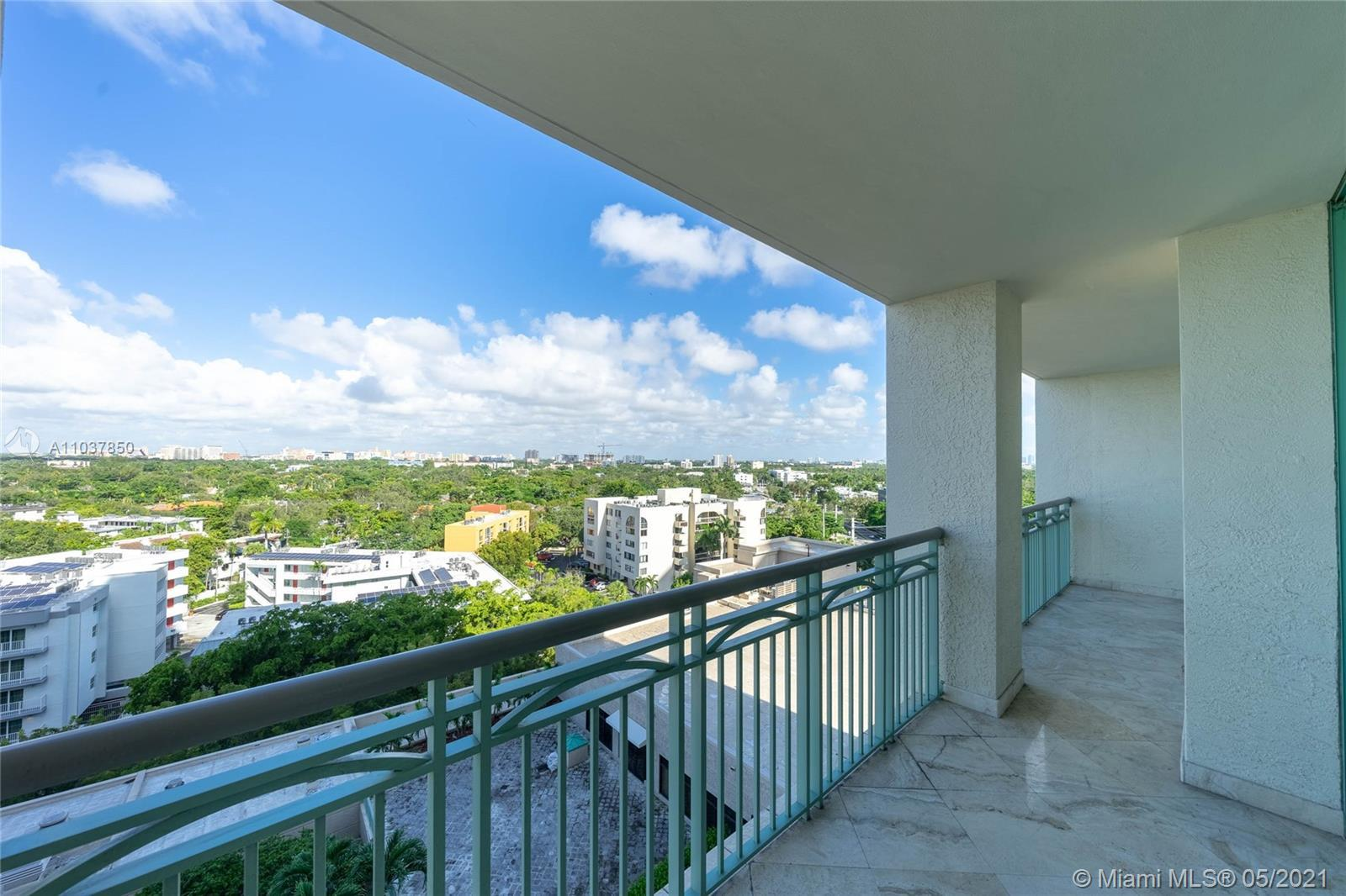 Modern finishes in this large 1 bedroom 1.5 bath residence at the Ritz-Carlton Coconut Grove. View o