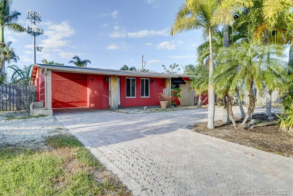 Fantastic 3 bedroom, 2 bathroom single family home with a NEW ROOF in Wilton Manors! This home featu