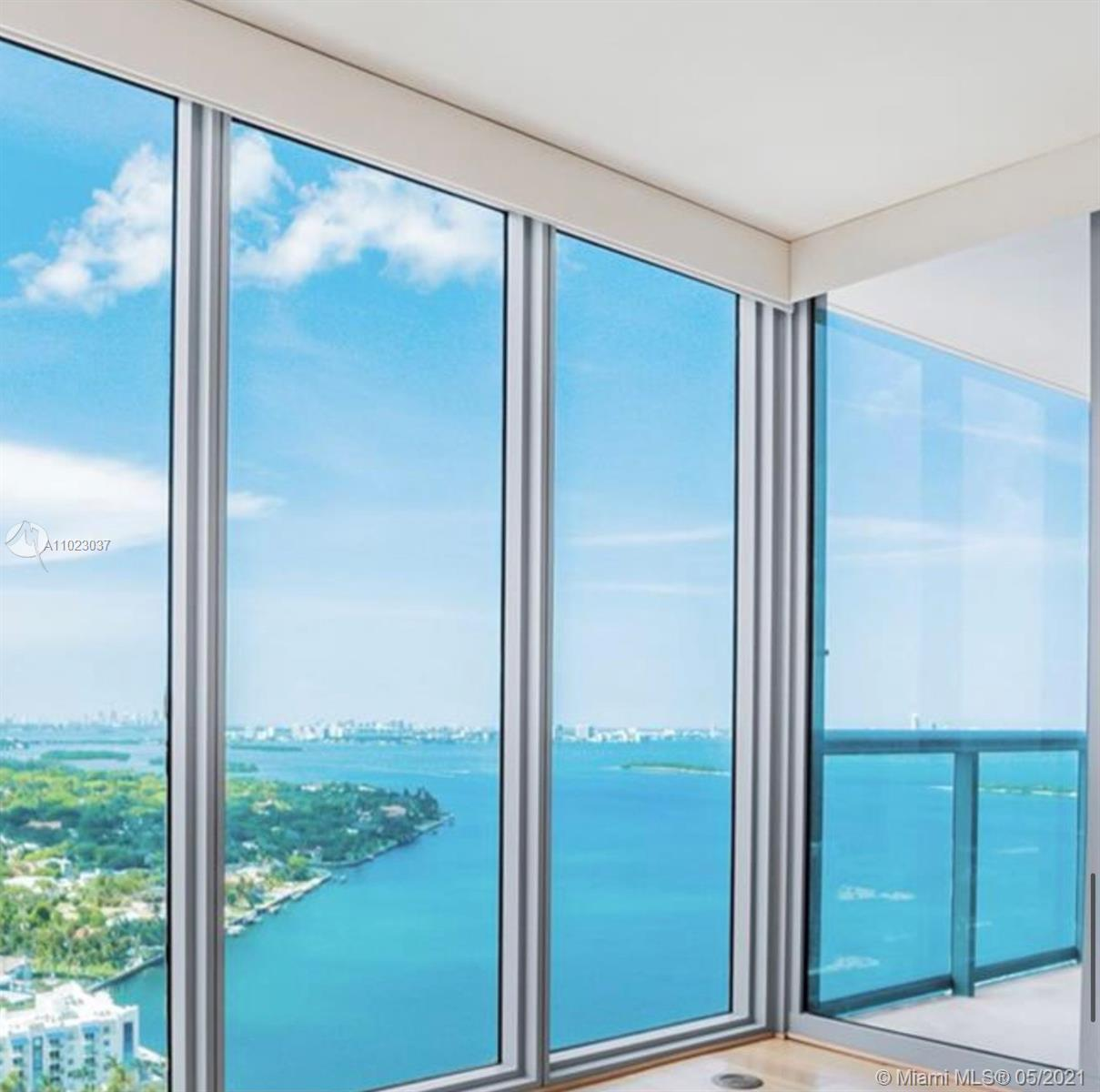 Endless bay and city views. Ready to move 2 bedroom/ 2.5 bath. Updated kitchen with stainless steel