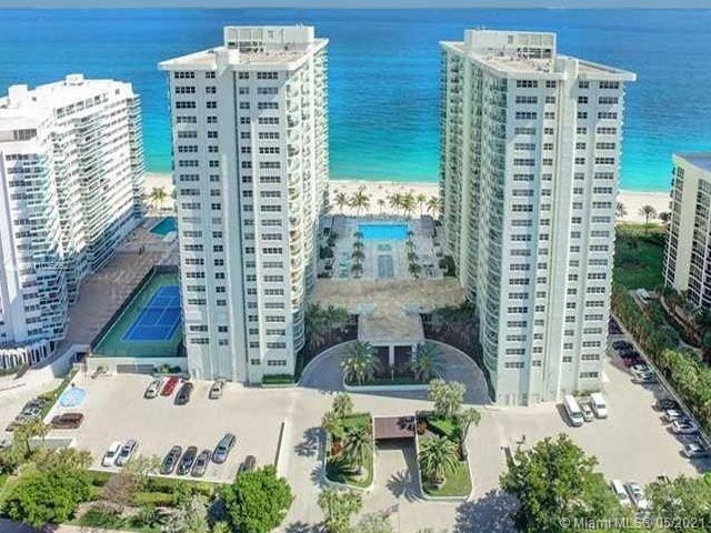 SOUTHPOINT CONO IS ONE OF THE NICEST BUILDINGS ON GALT OCEAN DRIVE, SPACIOUS TWO BEDRM TWO BATH SPLI