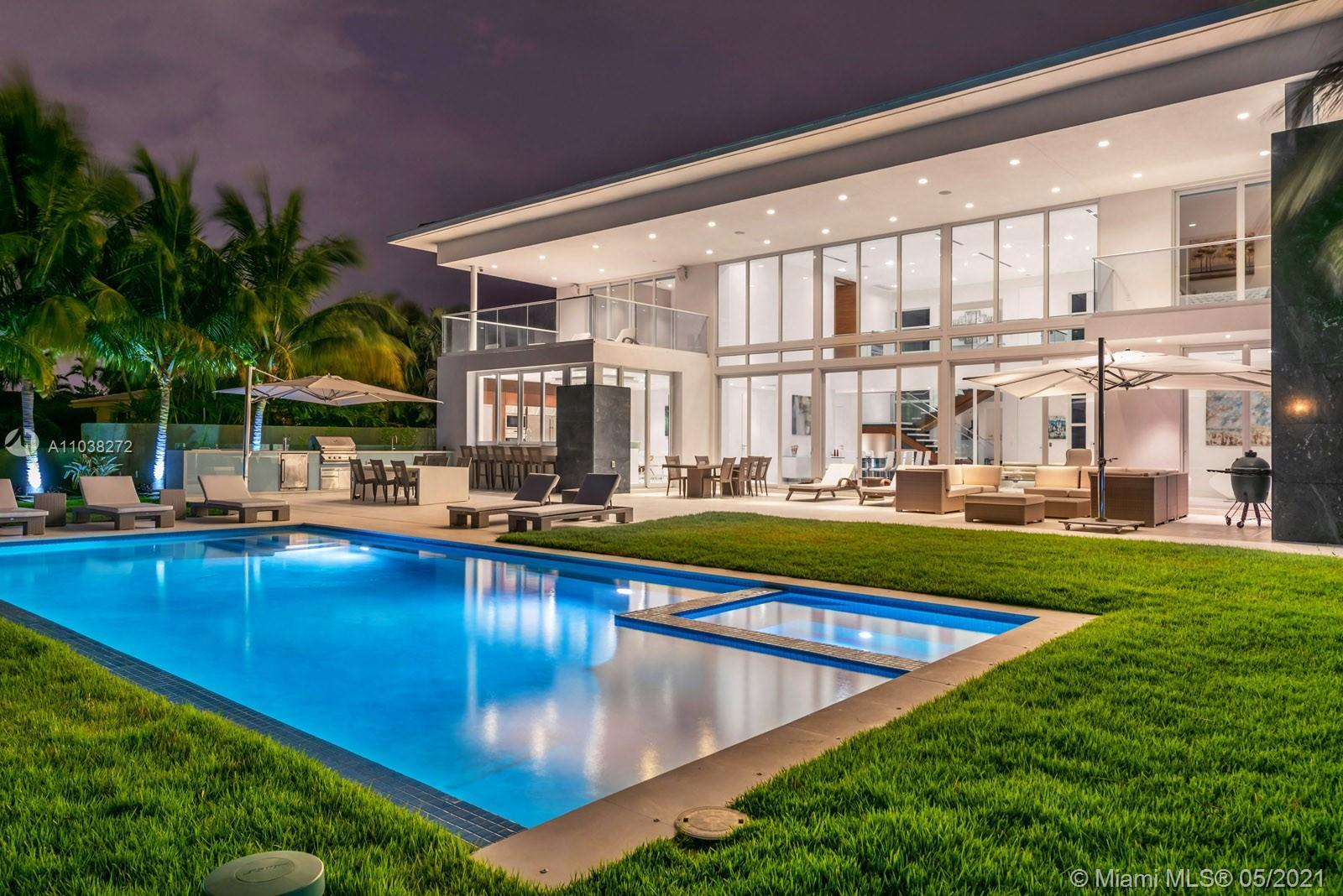 Contemporary waterfront estate in Golden isles, one of S. Florida's most sought-after waterfront com