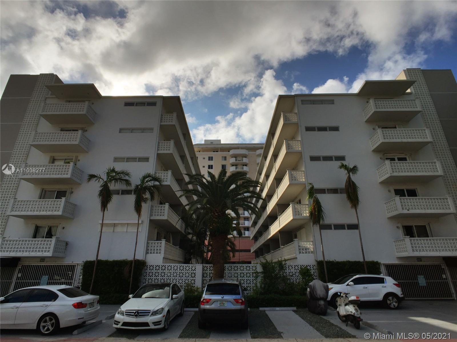 Spacious one bedroom front unit just steps away from Lincoln Road. This bright open unit features ti