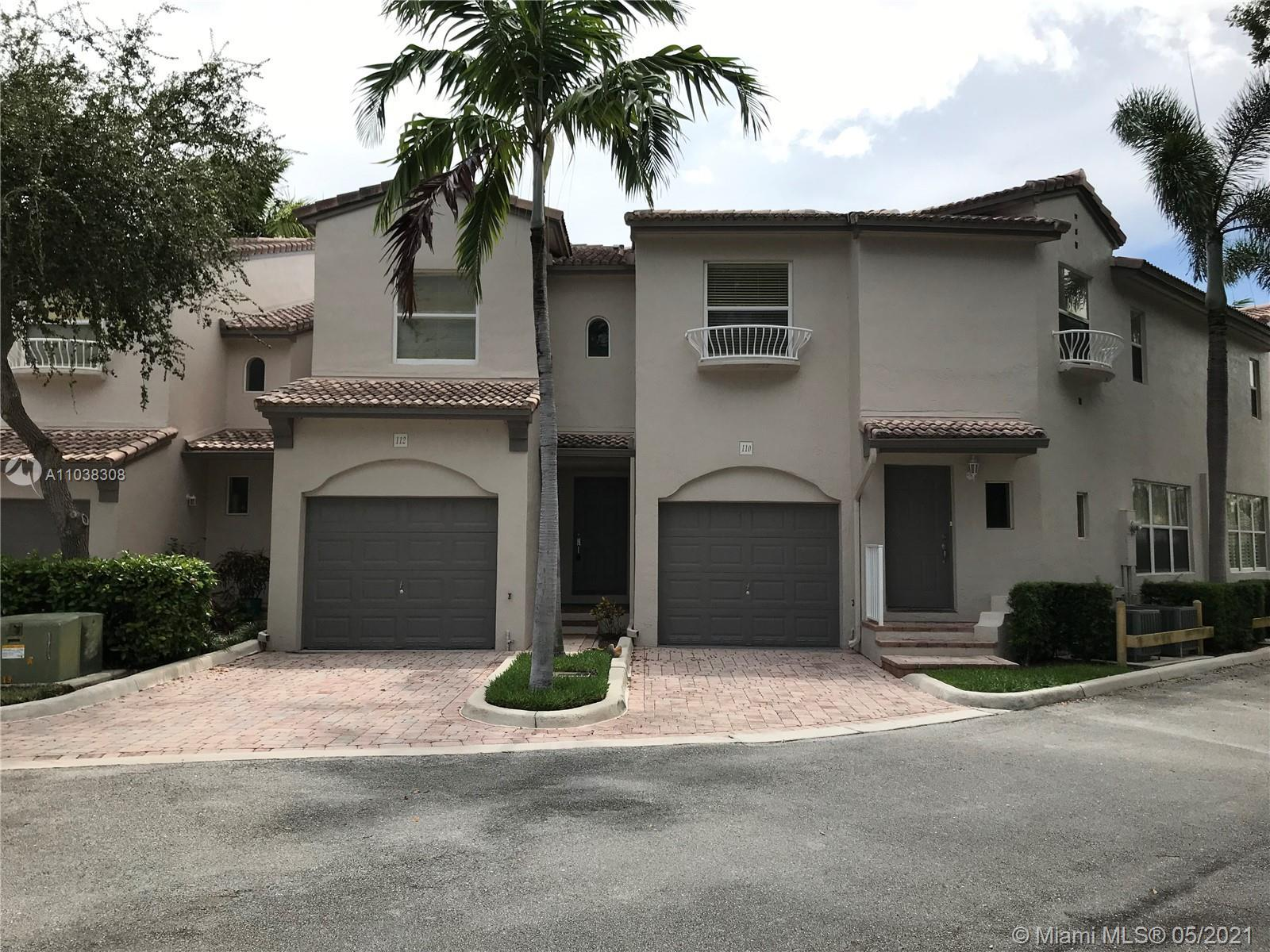 Gated Community , 2-story Townhome just across from the beach in wonderful Lauderdale By The Sea, 2