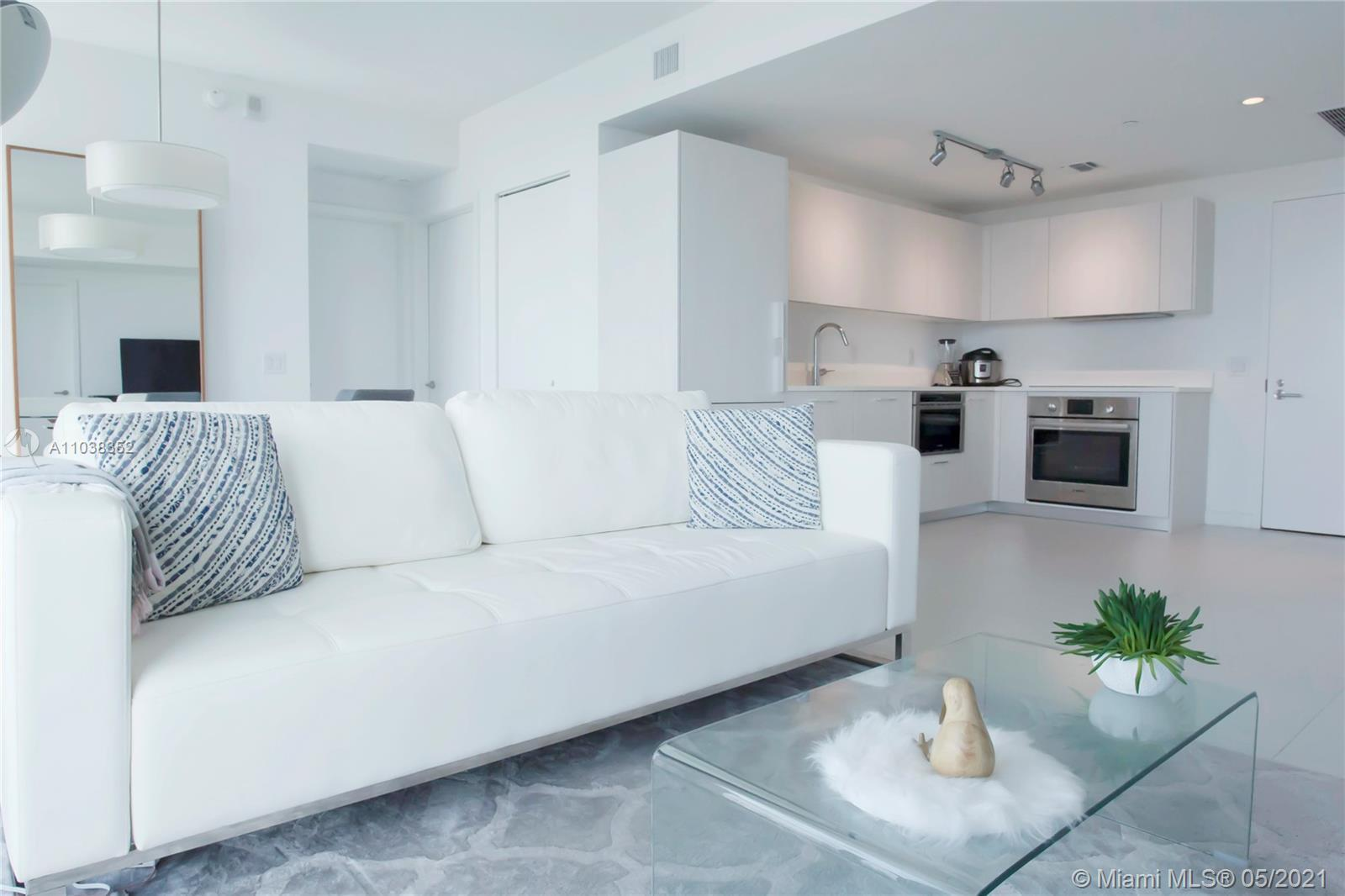 Beautiful Brand New Unit at Paraiso District! Fully furnished and equipped 2 Bedrooms. Gorgeous City