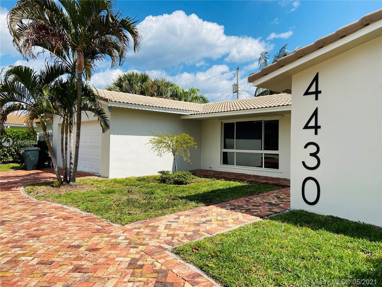 Perfectly maintained home in the heart of Lighthouse Point. Upgraded Kitchen ,bathrooms, flooring an