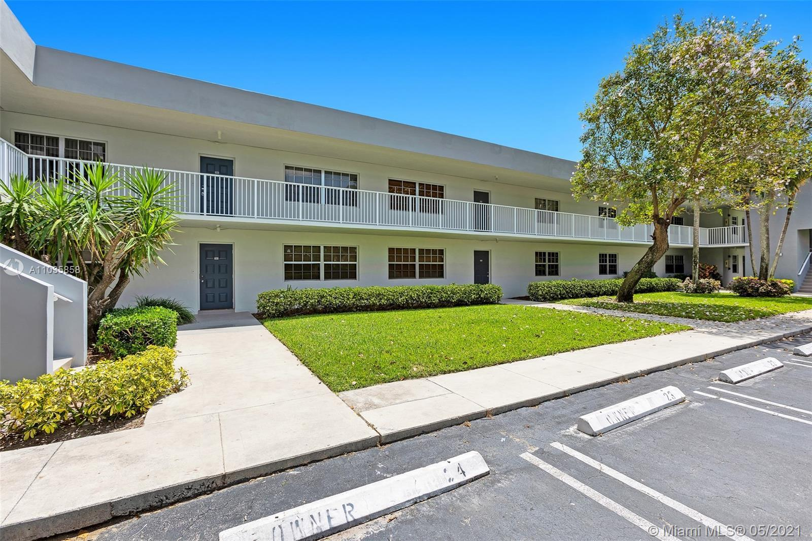 Extremely spacious and bright condo in peaceful Oaks Terrace. Enjoy country club living and beautifu