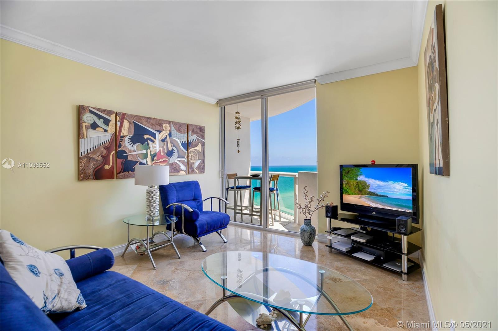 Breathtaking unobstructed views from the 24th floor!!! Floor to ceiling sliding glass door in the ro