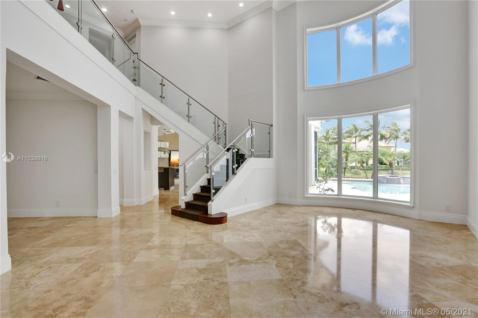 Come see this bright and airy sprawling home in the prestigious community of HAWKS LANDING. This re