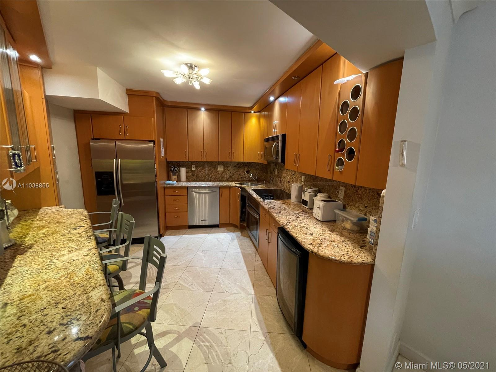 Gorgeous 2/2 Split bedrooms, oceanfront Building, Spacious remodeled kitchen with stainless steel ap