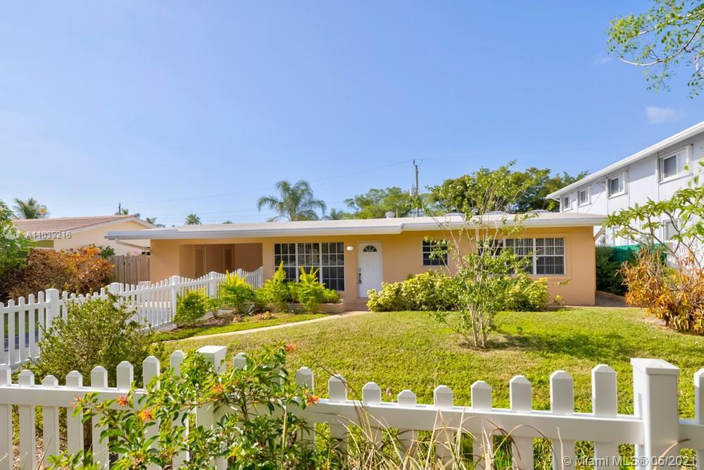 Lovely 3 bedroom, 3 bathroom single family home with no HOA in Pompano Beach! This perfect starter h