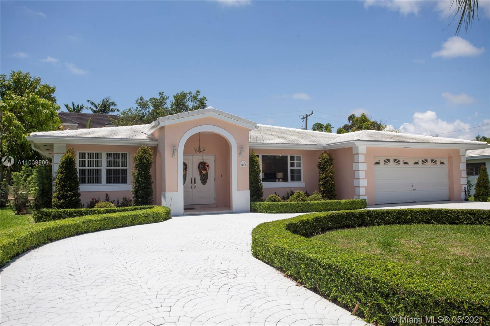 DON'T MISS THIS OPPORTUNITY TO LIVE IN EXCLUSIVE GATED/SECURE - GABLES-BY-THE-SEA COMMUNITY! PINECRE