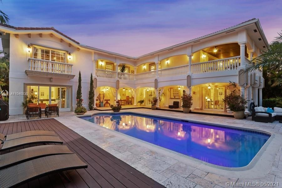 Magnificent waterfront home in Golden Isles with massive lot of 15000 SF lot and 100 ft on the water