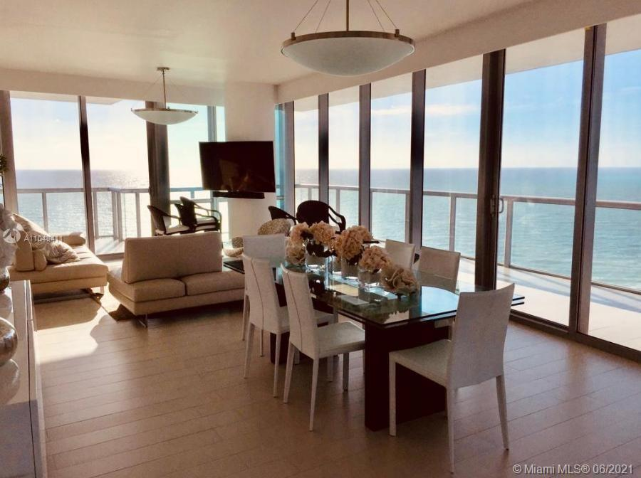 Best line in the building. Beautiful flow through unit with ocean and city views. Jade Ocean @ the B