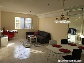 Excellent investment property in Sunny Isles Beach !!! 1 bedroom 1 bathroom condo with large tiled b
