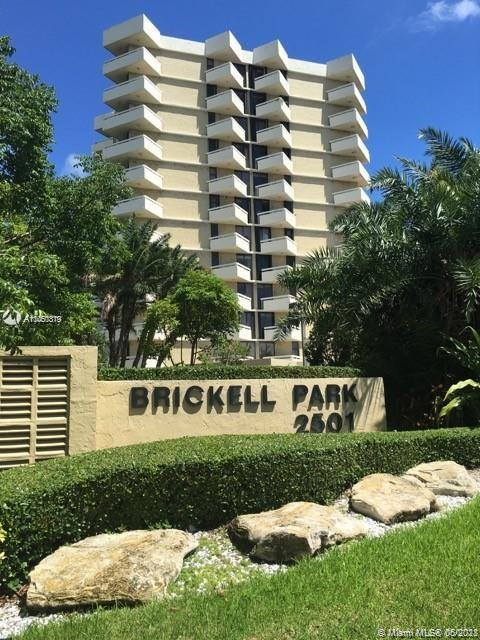BRICKELL AREA.2 BEDS AND 2 BATHS, CERAMIC FLOORS, UPDATED KITCHEN, CORNER UNIT, 2 BALCONIES. BOUTIQU