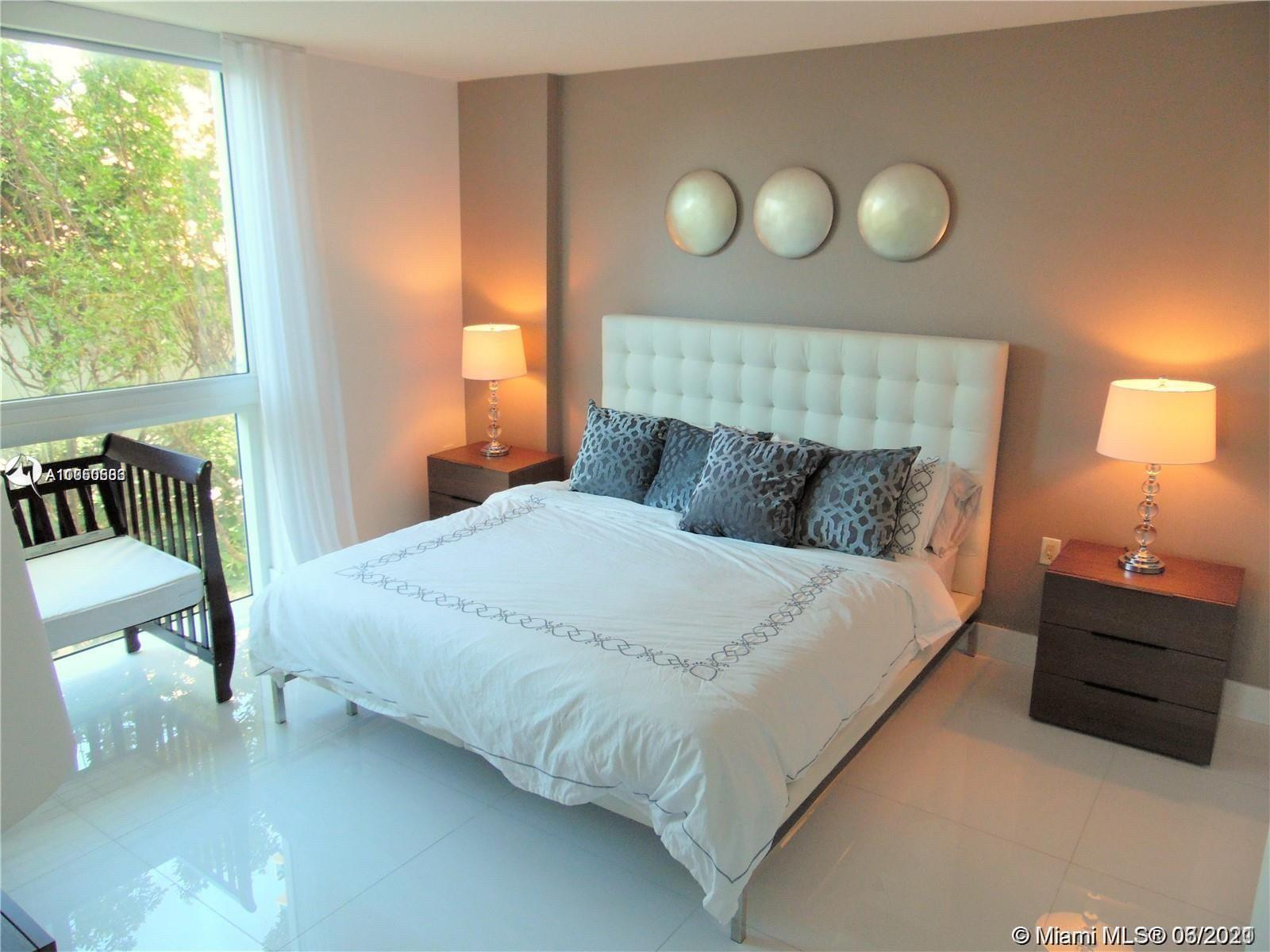 Gorgeous 3 Bed in tower 2 of St-Tropez on the bay. Enjoy this huge floor plan with a large master su