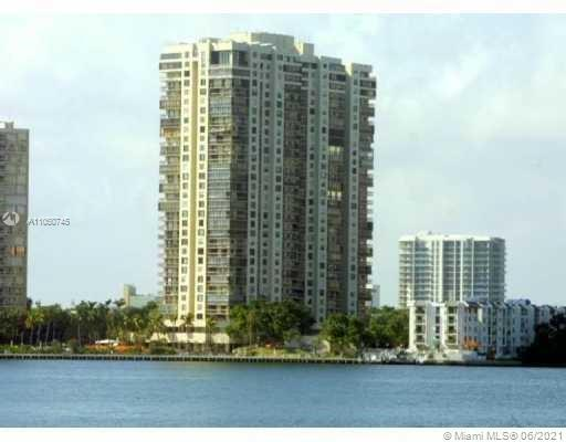 ESTABLISHED BRICKELL AVENUE ADDRESS. This condo features 1337 sq. ft. including balcony, 2 master su