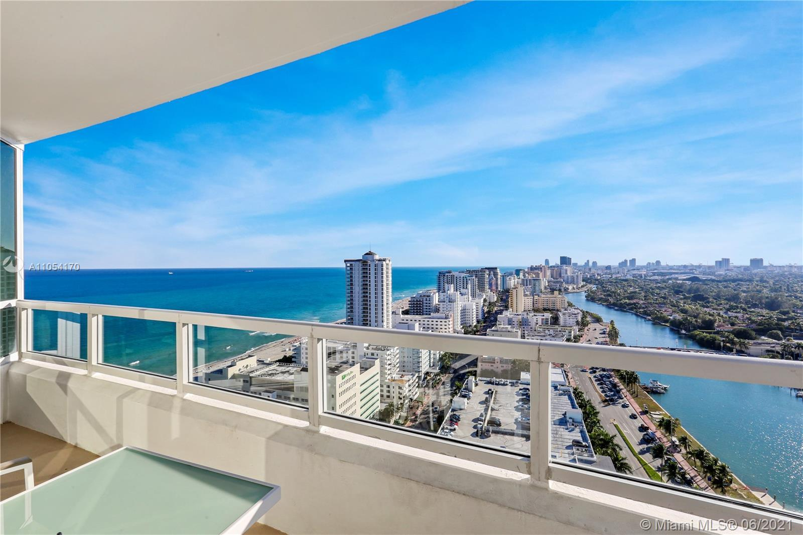 Beautiful 2BD/3BA with views of the Ocean, bay & and city. Enjoy full service, vacation-style living