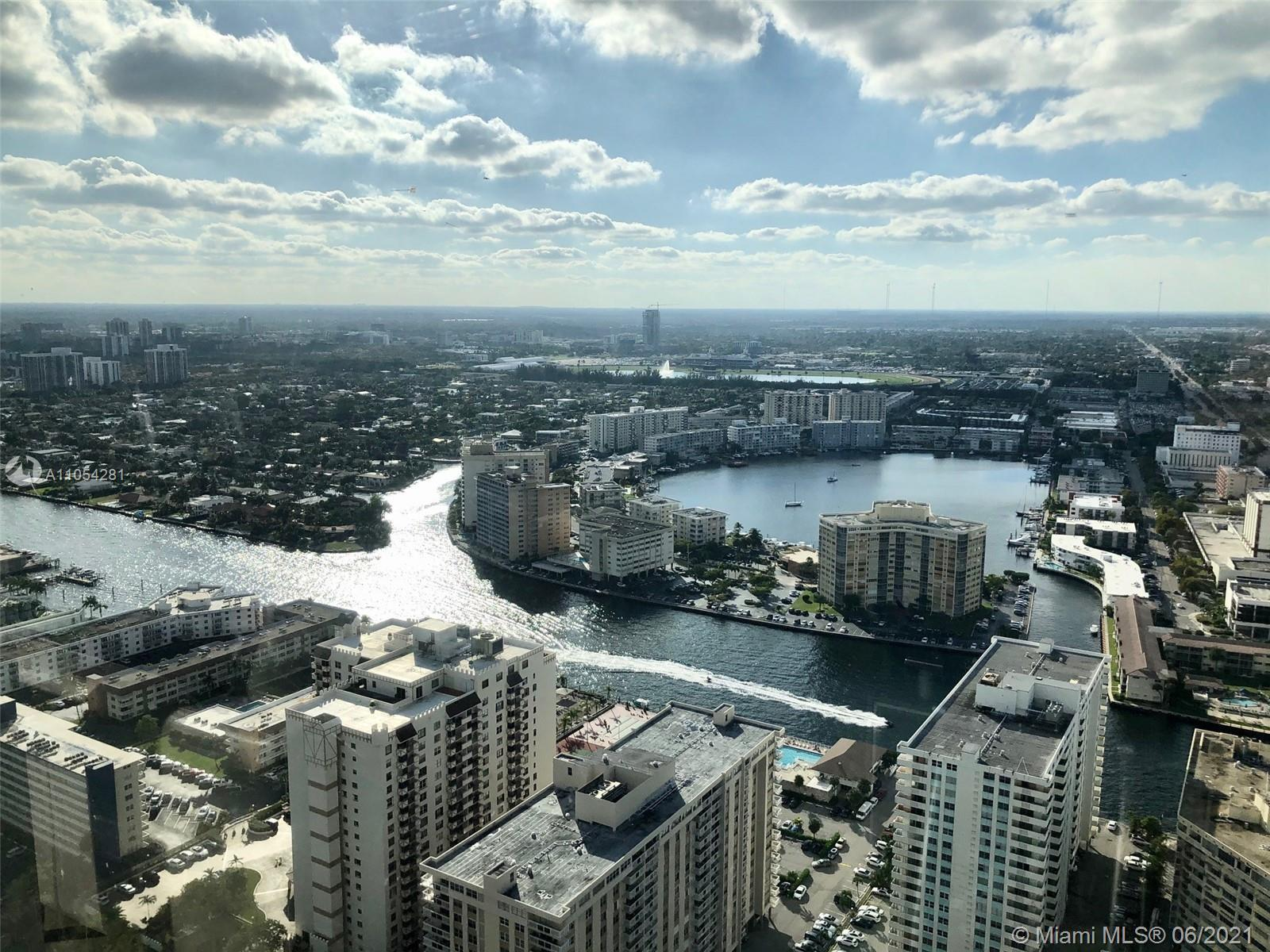 Beautiful and bright 1 bedroom 1 bathroom unit with Amazing Intracoastal and City Views from the 47t