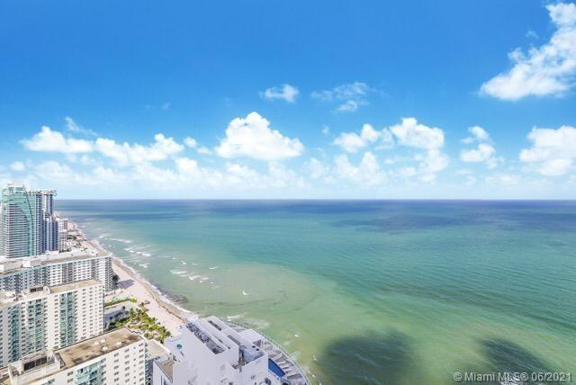 HOLLYWOOD, FL,., STUNNING Custom 4 bedr Ocean Front residence on 34th floor. Rare combination of TWO
