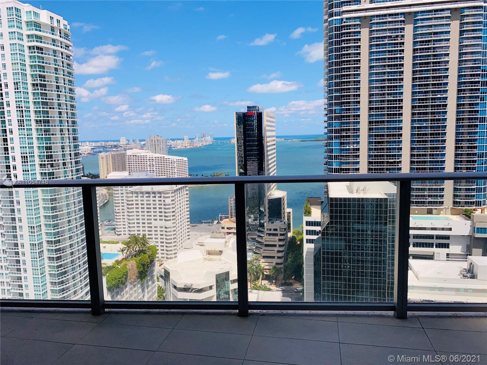 Brickell 1010, the New Luxury Urban Living with spectacular amenities for adults & children! Exquisi