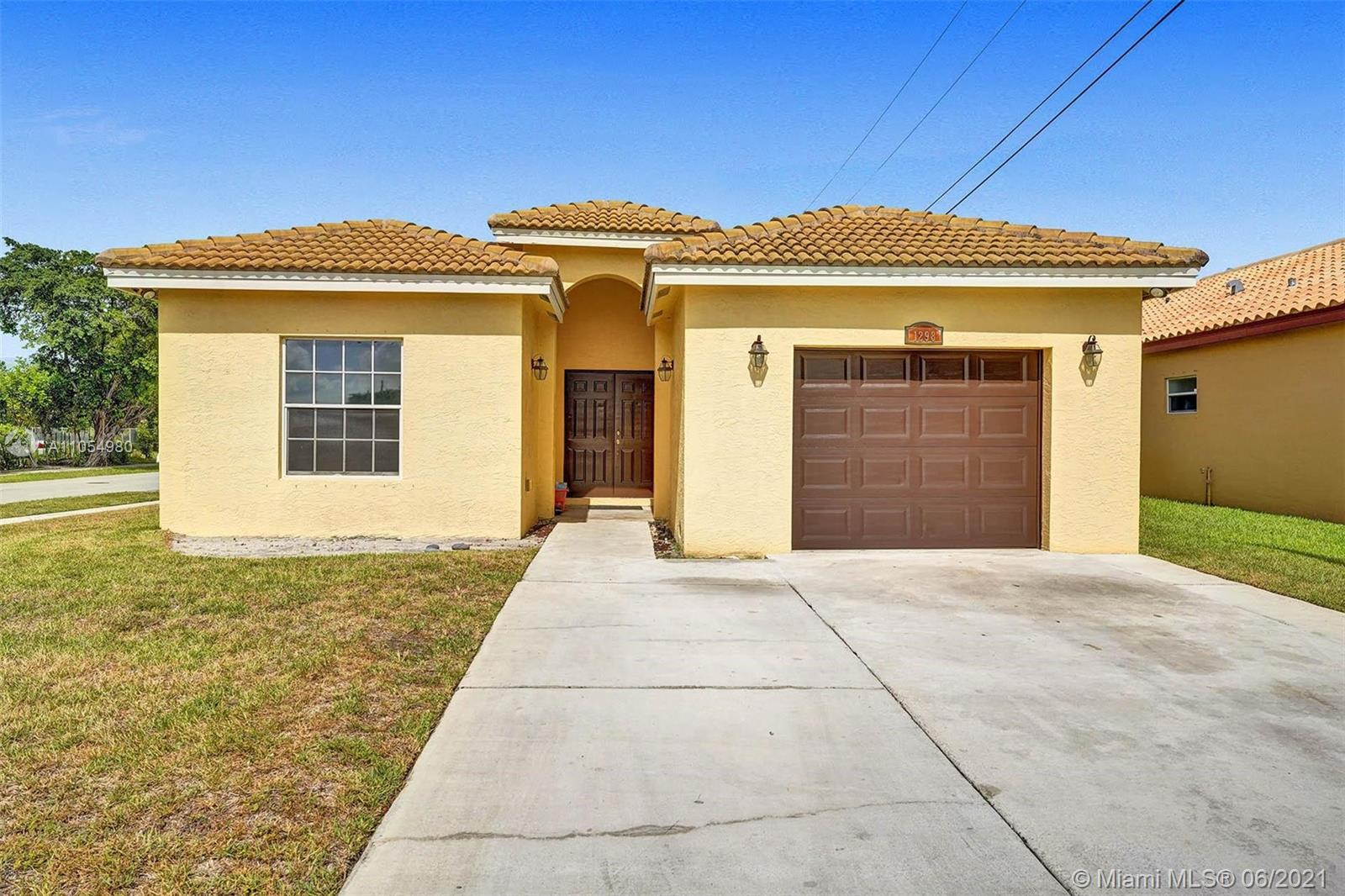 Perfect home for a 1st Time Homebuyer! Spacious 3 bedroom, 2 bathroom, 1 car garage in the desirable