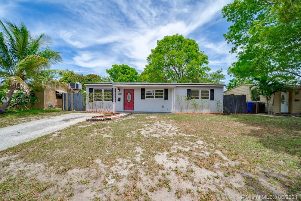 Lovely 3 bedroom, 1 bathroom single family home in Hollywood with no HOA! This perfect starter home