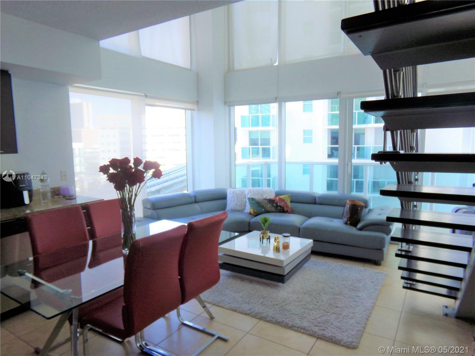 EXQUISITE LIVING RIGHT ON THE BEAUTIFUL MIAMI RIVER! 2 BED/ 2 BATH LOFT AT BRICKELL ON THE RIVER WIT