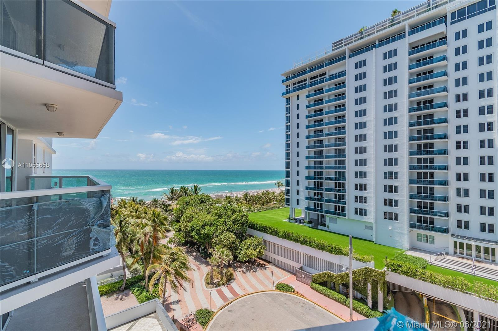 Enjoy the breathtaking views of the ocean while relaxing on your new balcony! At the Riviera Condo y